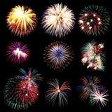 La collection de feu d'artifice et l'ensemble de feux d'artifice colorés s'allument sur le b Photographie stock libre de droits