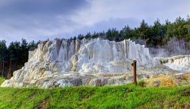 La colline de chaux d'Egerszalok Images stock