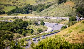 la colline de roulement aménage en parc entre San Francisco et calif de San Jose Images libres de droits