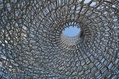 La colmena, una construcción de aluminio diseñó por el artista Wolfgang Buttress en los jardines de Kew, Inglaterra Fotografía de archivo libre de regalías