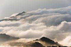La Colombia - picco di montagna nelle nuvole Fotografia Stock