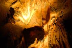 La colonna di ferro ha corroso da salinità in una miniera di sale Immagini Stock
