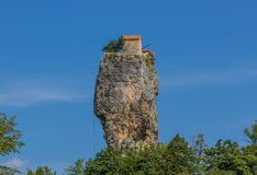 La colonna di Katskhi in Chiatura, Georgia fotografia stock libera da diritti