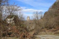 La colonna nell'inverno, Georgia, Sakartvelo di Katskhi immagine stock libera da diritti