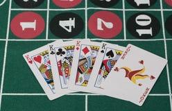 La combinazione di carte da gioco sulla tavola del casinò Fotografie Stock