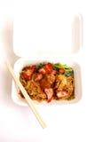 La comida china se lleva, los tallarines del wonton llenos Fotografía de archivo