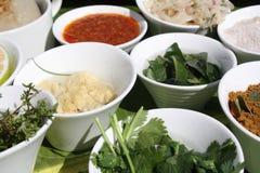 La comida cocinada en el restaurante Fotografía de archivo