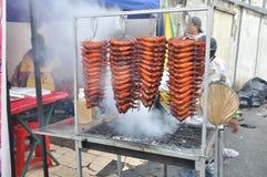 La comida del bazar de Ramadhan y cena. Imagenes de archivo