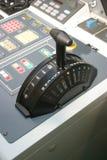 La commande de puissance du bateau à l'arrêt Photo stock