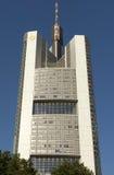 La Commerzbank si eleva immagini stock libere da diritti