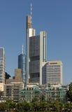 La Commerzbank si eleva fotografia stock