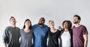 La communauté diverse d'amis de mode de vie heureux Photos libres de droits