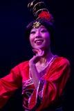 Bailarines chinos. Compañía del arte de Zhuhai Han Sheng. Foto de archivo