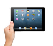 La compagnie d'Apple a affiché un iPad neuf mini Photos libres de droits
