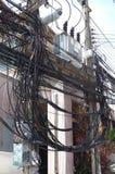 La complexité du fil de câble sur la rue de Samui, Thaïlande photos stock