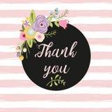 La composition en fleur avec le texte en cercle vous remercient dirigent pour des mercis de gratitude cardent les lignes roses illustration libre de droits
