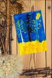 La composizione nella decorazione su fondo di legno si imbarca sul dolore di autunno Fotografie Stock Libere da Diritti