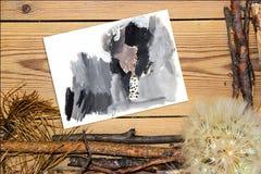 La composizione nella decorazione su fondo di legno si imbarca sul dolore di autunno Fotografia Stock Libera da Diritti