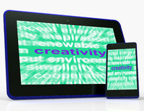 La compressa di creatività mostra l'originalità, l'innovazione e l'immaginazione Immagine Stock
