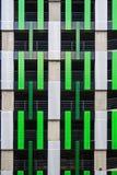 La conception de la façade du stationnement à plusiers étages photographie stock