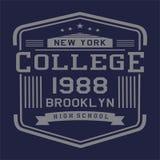La conception marque avec des lettres la nouvelle université Brooklyn de yrk Photos stock