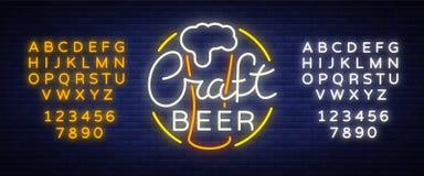 La conception originale de logo est un métier de style du néon de bière pour une maison de bière, bar de barre, taverne de brasse Illustration Libre de Droits