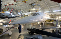 La Concorde avec d'autres aéronefs Photographie stock libre de droits