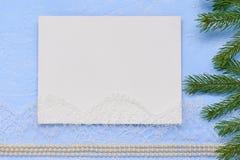 La configuration d'appartement de Noël a amorcé le carton pour peindre sur le backgrou Photos stock