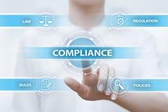 La conformità governa il concetto della tecnologia di affari della politica di regolamento di legge immagine stock libera da diritti