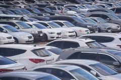 La congestione al parcheggio perso con i lotti fotografia stock libera da diritti