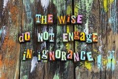 La connaissance ignorante sage de sagesse apprennent que futés stupides enseignent photo libre de droits