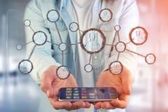 La connessione di rete con la gente si è collegata nella tecnologia w Immagini Stock