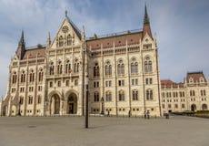 La construction du Parlement à Budapest, Hongrie Photos stock