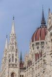 La construction du Parlement à Budapest, Hongrie Images stock