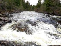 La contro corrente vede il fiume più ampio fotografia stock libera da diritti