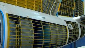 La copertura interna degli aerei parte fabbricato nella pianta, vista interna archivi video