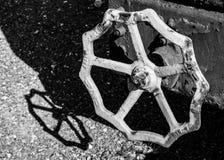 La copia de una forma encontró bajo la forma de sombra en un carro viejo del tren Foto de archivo libre de regalías