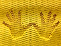 La copie de deux mains sur les goupilles jaunes jouent le fond Image libre de droits
