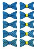 La corbata de lazo azul con los puntos amarillos fijó el ejemplo realista del vector Foto de archivo libre de regalías
