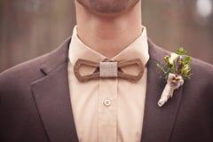 La corbata de lazo de madera original Fotos de archivo libres de regalías