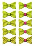 La corbata de lazo del verde lima con los puntos rosados fijó el ejemplo realista del vector ilustración del vector