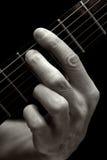 La corda di Tristan sulla chitarra elettrica (più in basso quattro corde) Immagini Stock Libere da Diritti