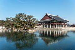 La Corea del Sur se jacta los edificios de madera construidos en la dinastía de Joseon Pasillo del banquete del rey Fotografía de archivo libre de regalías