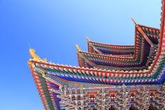 La cornisa modelada del templo Imagen de archivo libre de regalías