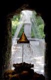 La corona del metallo della Midas-grotta nel waterpark dell'inferno fotografie stock
