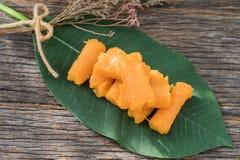 La correa de Foi o los hilos de oro, postre tailandés hizo de las yemas de huevo Imágenes de archivo libres de regalías