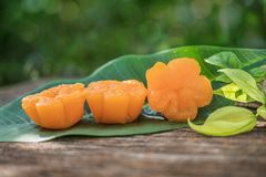 La correa yip, postre tailandés hecho de la yema de huevo y azúcar Imágenes de archivo libres de regalías