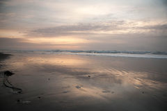 La corriente resuelve el océano Imágenes de archivo libres de regalías