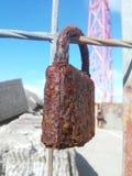 La corrosion de la serrure Mais pas amour ; Image stock