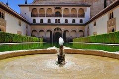 La corte de la torre Alhambr de los mirtos y de Comares Imagen de archivo libre de regalías